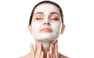 Soin exfoliant pour le visage : les bons gestes à adopter