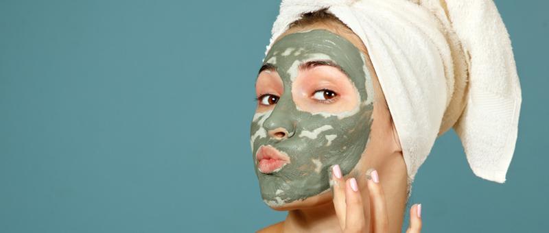 Soin purifiant pour les peaux grasses : les bienfaits de l'argile verte