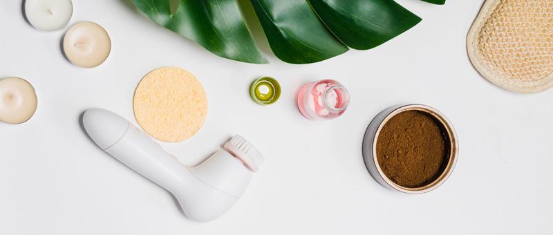 Bien entretenir votre brosse électrique pour le visage en 5 étapes